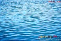 PS打造逼真的水中倒影文字特效