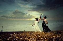 photoshop为旷野外景人物添加霞光照映效果