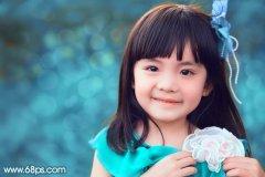 PS调出草地上小女孩照片的甜美青红色调