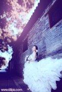 photoshop调出古建筑婚片的柔和橙蓝色调