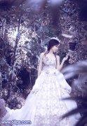 PS调出树林中美女图片的流行蓝紫色调