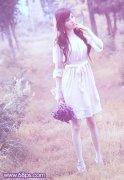 photoshop调出梦幻粉蓝紫色调外景美女图片