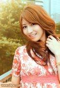 Photoshop调出外景美女的流行韩系红褐色彩