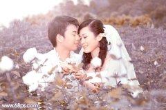 Photoshop调出蓝紫中性色玫瑰园情侣图片