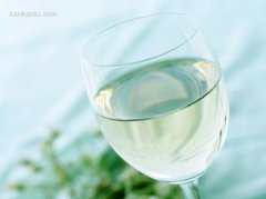 透明玻璃杯的PS抠图方法教程